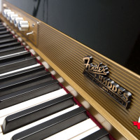 Fender Rhodes 1974 Solid Gold Suitcase 73 12