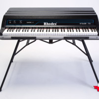 Fender Rhodes 1984 Mark V Stage 73 3