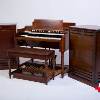 Hammond B-3 organ Leslie 122 147 both 2