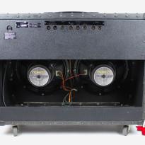 Roland JC-120 7